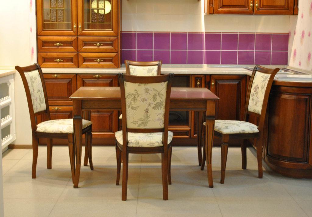 Купить стулья деревянные недорого в Москве