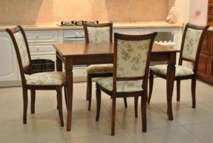 Стулья и столы деревянные Москва.